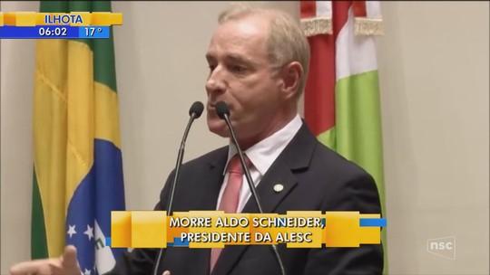Corpo do presidente da Assembleia Legislativa de SC, Aldo Schneider, é velado em Ibirama, no Vale do Itajaí