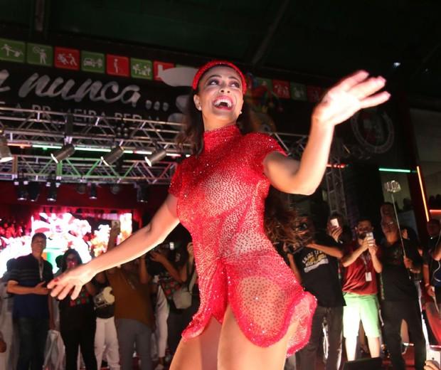 Juliana Paes na Grande Rio (Foto: Daniel Pinheiro/AgNews )