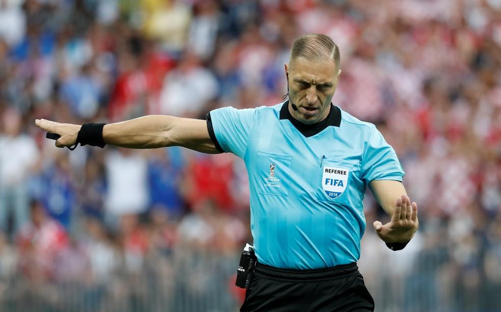 Árbitro argentino Nestor Pitana na final da Copa entre França e Croácia — Foto: Damir Sagolj/Reuters