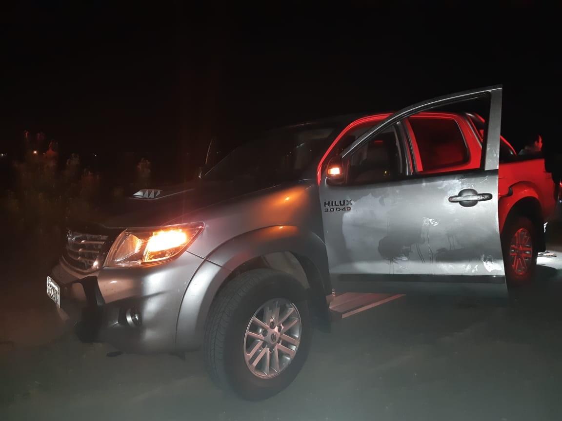PRF recupera carro roubado e apreende réplica de fuzil utilizada em assalto, em Queimadas, na PB