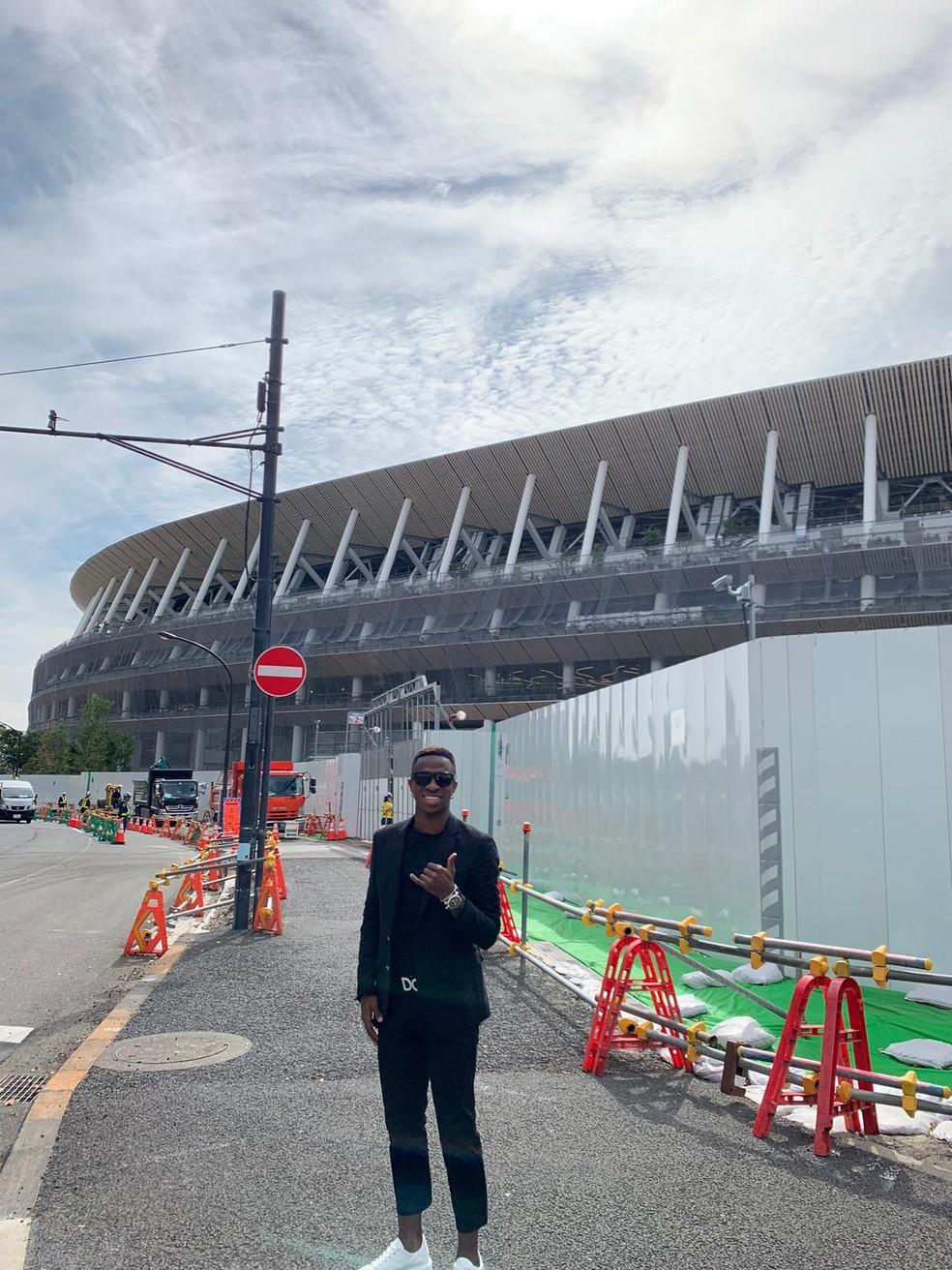 Vinicius visitou estádio olímpico de Tóquio em obras: sonho olímpico na cabeça — Foto: Arquivo pessoal