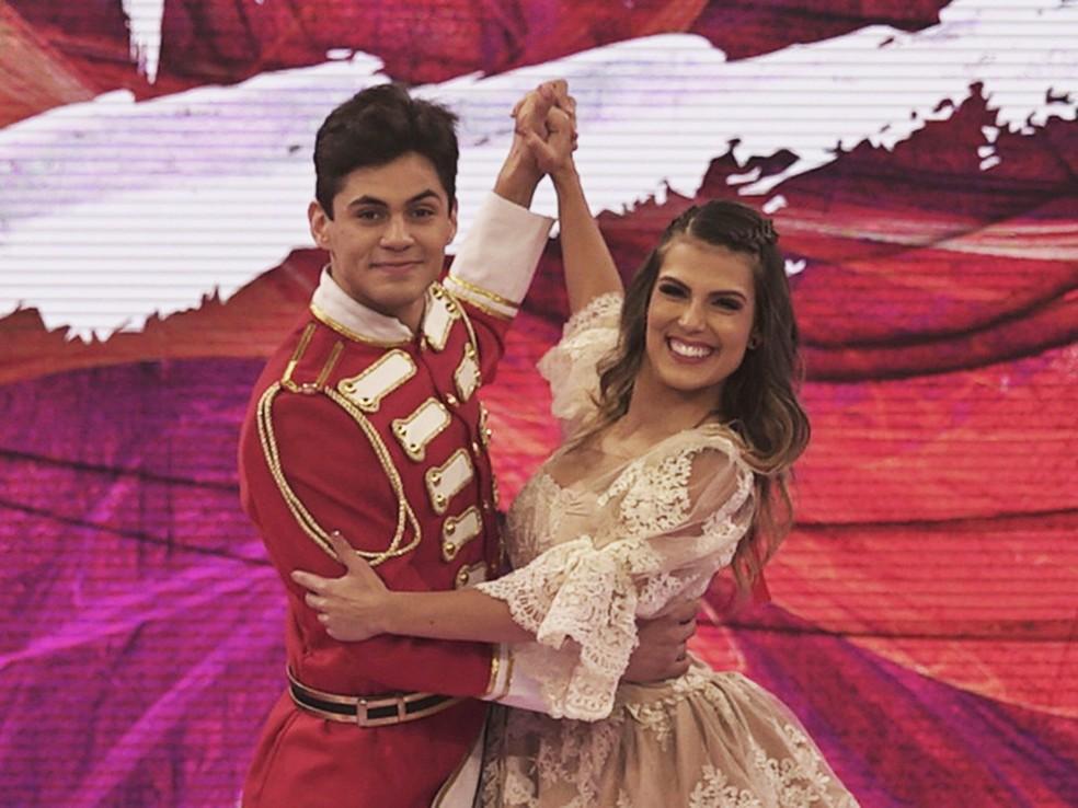 Lucas Veloso e Nathália Melo ficaram em segundo lugar no 'Dança dos Famosos' 2017 (Foto: TV Globo)