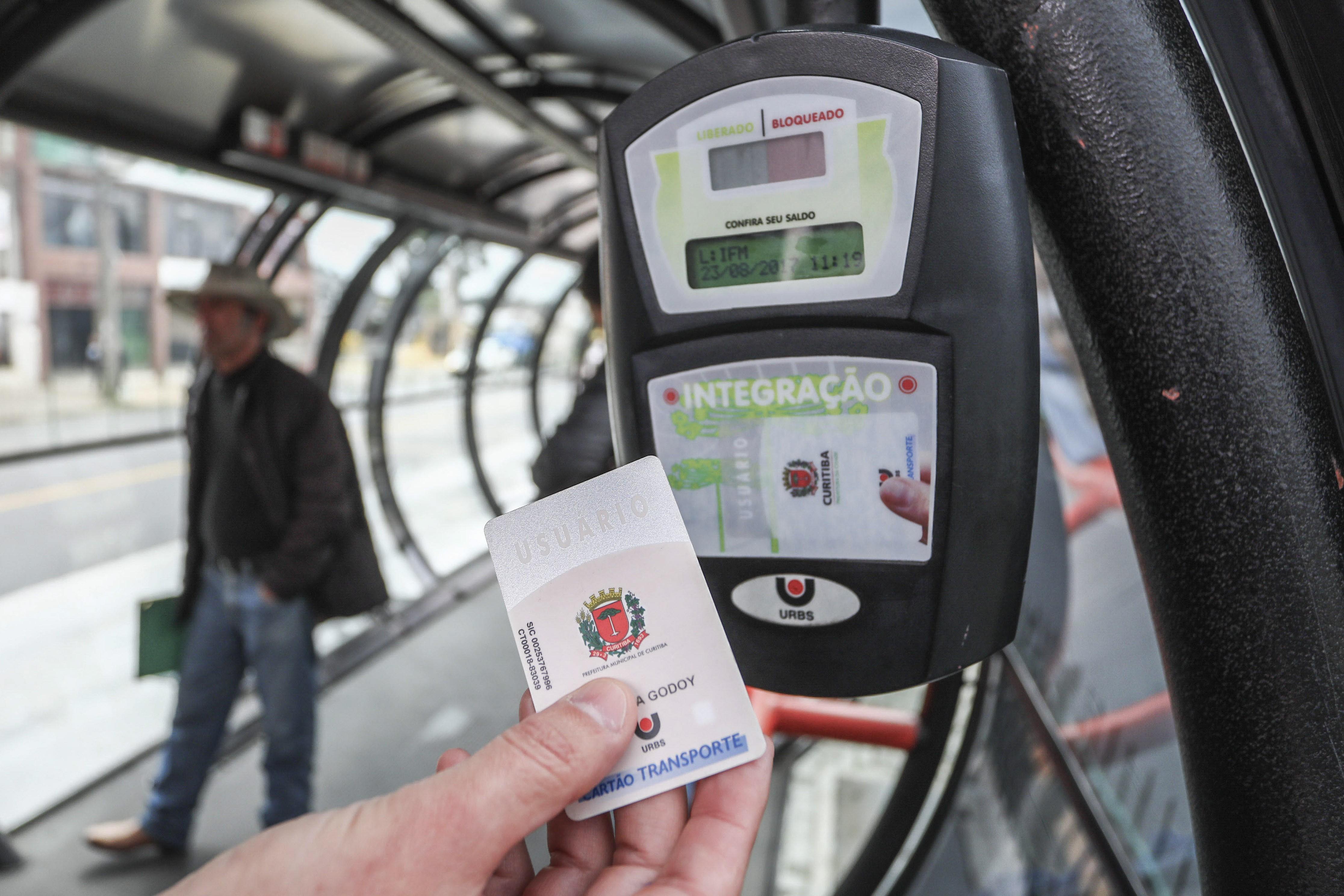 Cartão-transporte da Urbs deixa de valer em linhas de Araucária; passageiros terão que fazer outro cartão