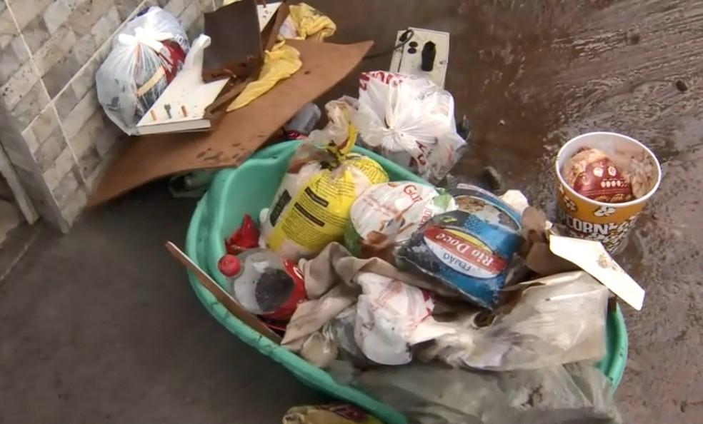 Mulher perde ingredientes que usa para vender marmitex, no ES  — Foto: Reprodução/ TV Gazeta