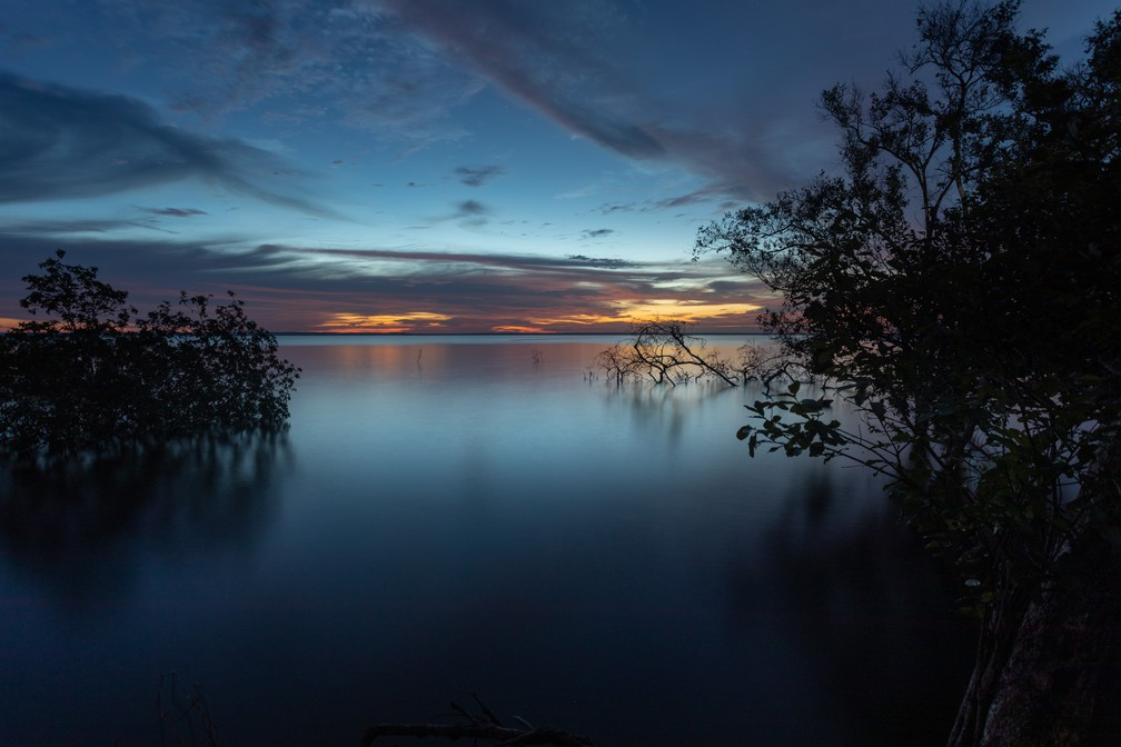O pôr do sol no Rio Tapajós, visto da comunidade Jamaraquá — Foto: Marcelo Brandt/G1