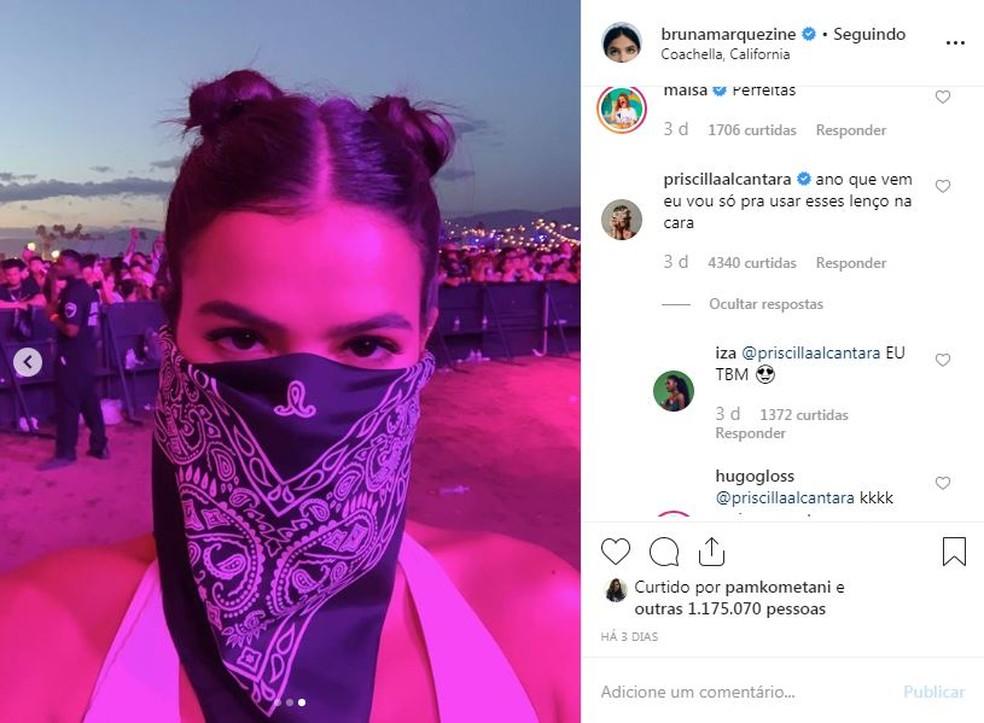 Bruna Marquezine usa lenço no Coachella — Foto: Reprodução/Instagram
