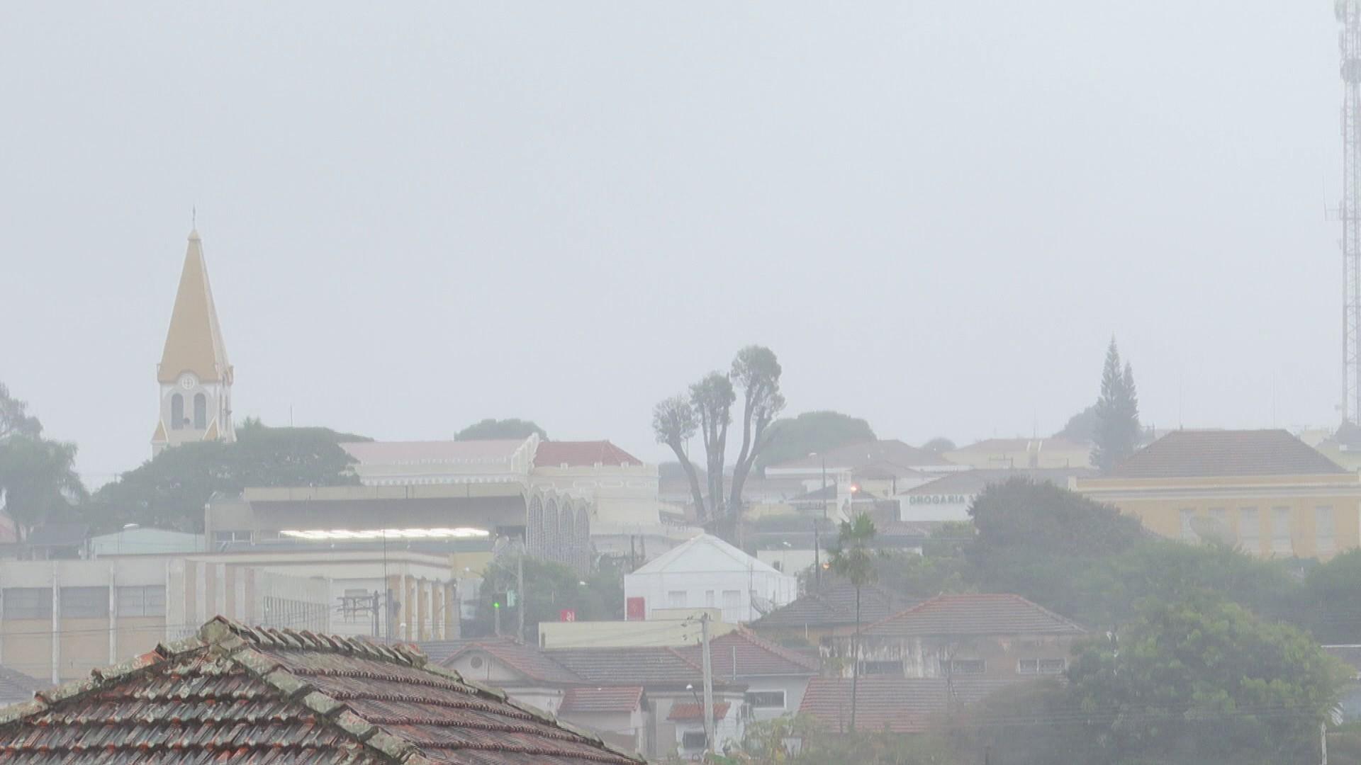 Frente fria ganha força na região de Ribeirão Preto, SP, nesta quinta-feira; veja temperaturas