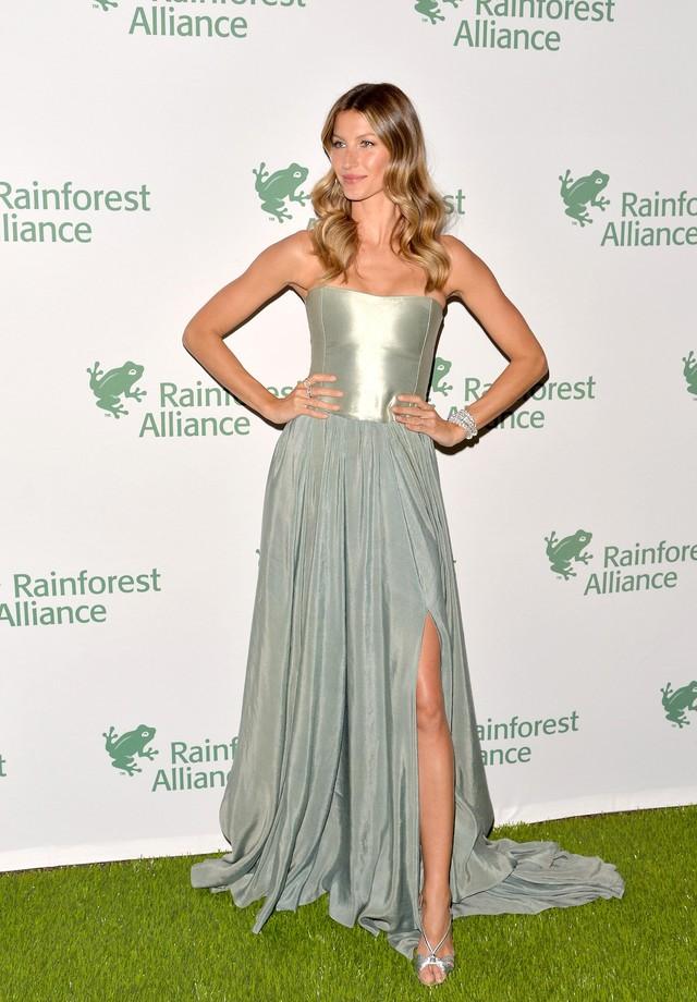 Gisele Bündchen no gala da Rainforest Alliance, em 2014. (Foto: Getty Images)