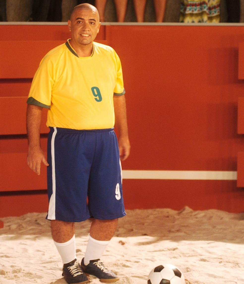 Bussunda imita o jogador Ronaldo — Foto: Memória Globo