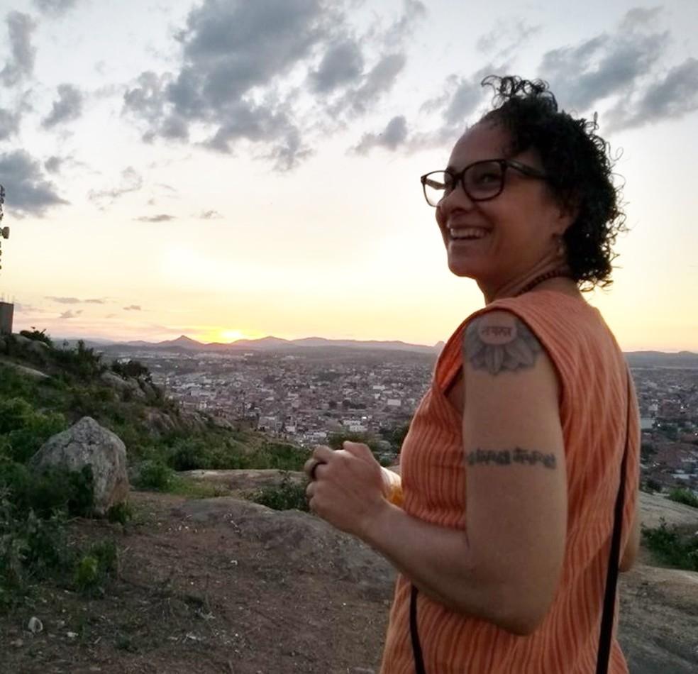 Heleniza Saldanha é instrutora de yoga mora em Caruaru desde 2016 â?? Foto: Heleniza Saldanha/Arquivo pessoal