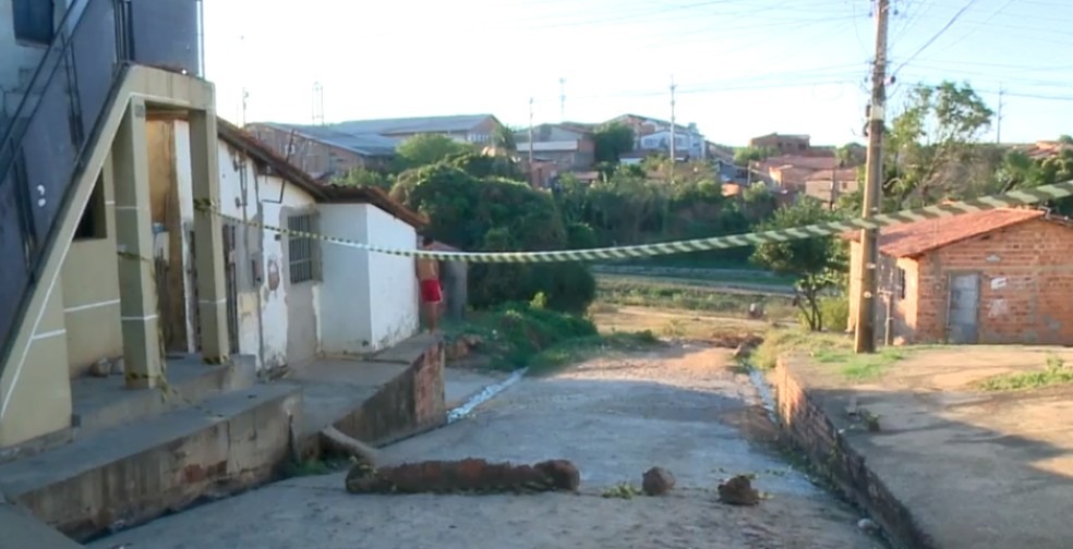 Rua foi interditada e reformada pelos moradores em Teresina. — Foto: Reprodução/TV Clube