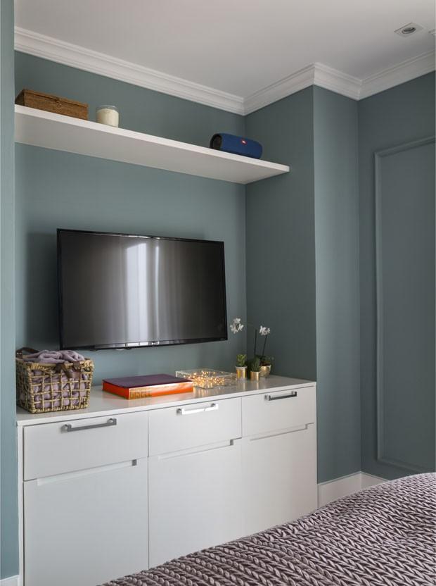 Paredes e móveis coloridos atualizam apartamento alugado (Foto: Evelyn Muller)