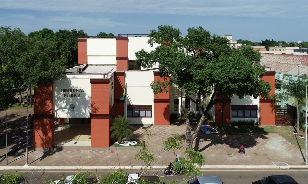 Após dez meses fechada, biblioteca pública de Rio Branco é reinaugurada - Notícias - Plantão Diário