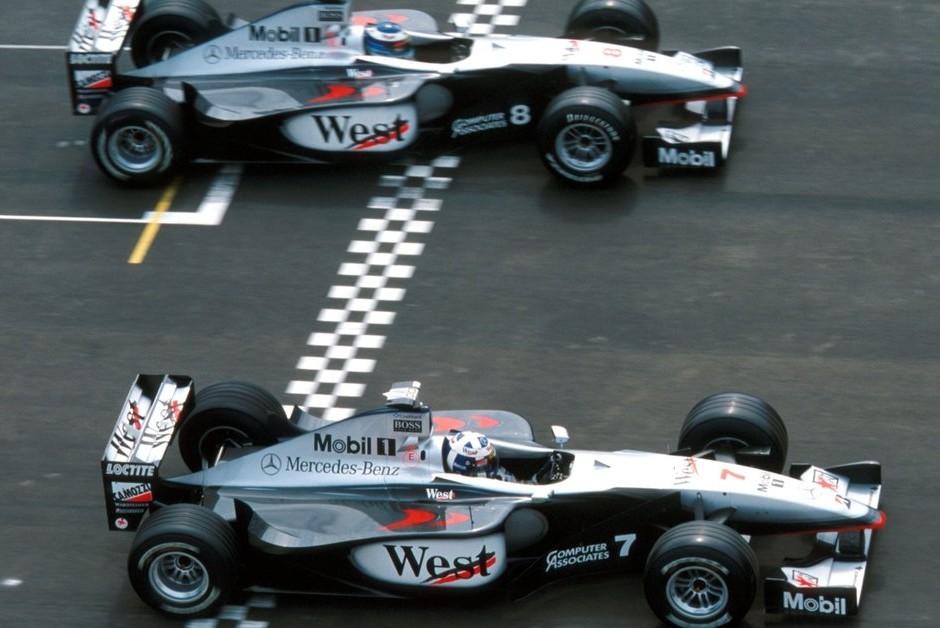 O finlandês Mika Hakkinen e o escocês David Coulthard a bordo da McLaren FW14B  (Foto: Divulgação/Fórmula 1 )