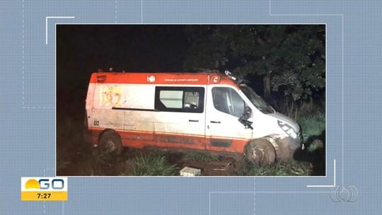 Três pessoas morrem após ambulância bater contra caminhão na BR-050, em Catalão