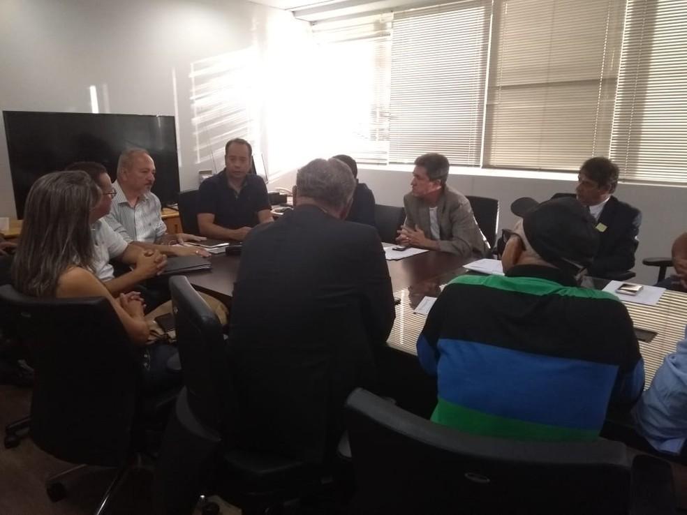Reunião contou com a presença do secretário de esportes do DF, Leandro Cruz — Foto: Marcelo Cardoso/GloboEsporte.com