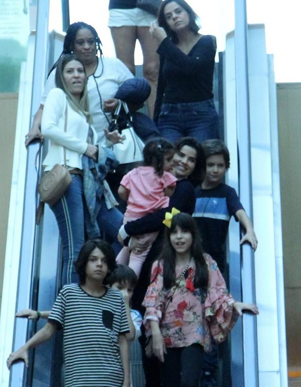 Vanessa Giácomo e família (Foto: J. Humberto/ Agnews)