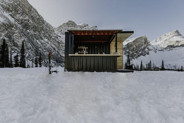 Canadenses constroem bar pop-up em container (Foto: Divulgação)