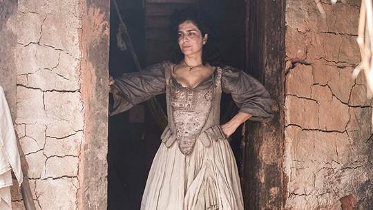 Letícia Sabatella comemora papel em 'Liberdade, Liberdade': 'É bom mudar'