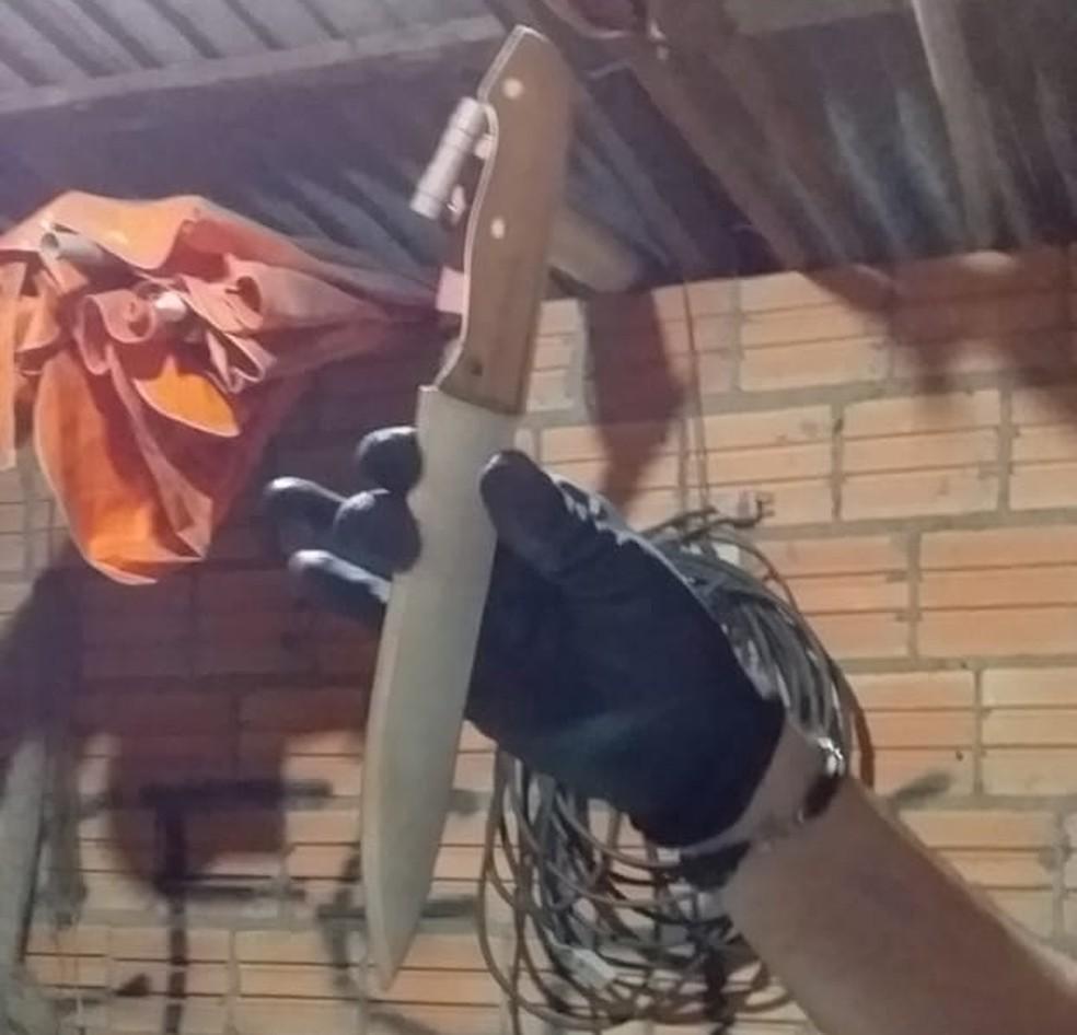 Faca usada no assassinato de adolescente de 14 anos — Foto: Polícia Civil/Divulgação