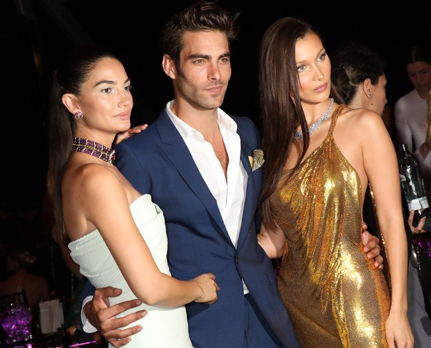 Lily Aldridge, Jon Kortajarena e Bella Hadid (Foto: Getty Images)