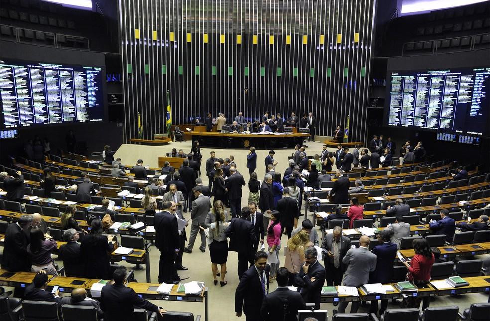 Deputados reunidos em plenário durante sessão desta quarta-feira (5) â?? Foto: Luis Macedo/Câmara dos Deputados