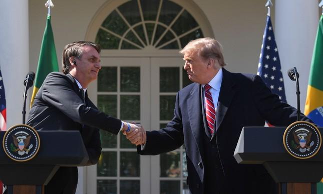Trump e Bolsonaro durante coletiva de imprensa na Casa Branca