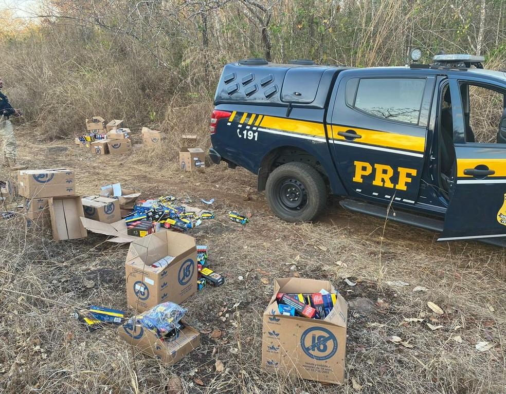 Policiais da PRF, PM e GTA recuperam parte de carregamento de cigarros na BR-226 no Maranhão — Foto: Divulgação/ Polícia Rodoviária Federal
