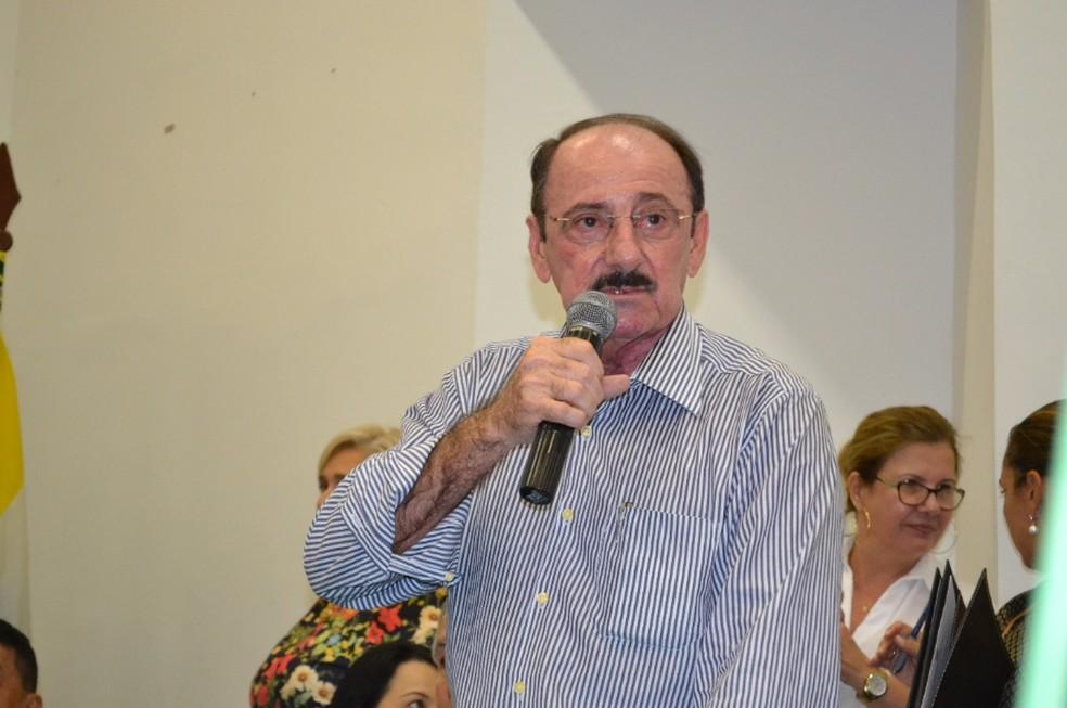 Prefeito de Crateús (CE) Marcelo Ferreira Machado (SD) teve seu aparelho celular clonado. — Foto: Reprodução/Sistema Verdes Mares