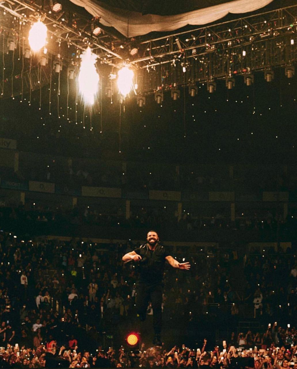 Drake em ação em Londres (Foto: Reprodução: Instagram)