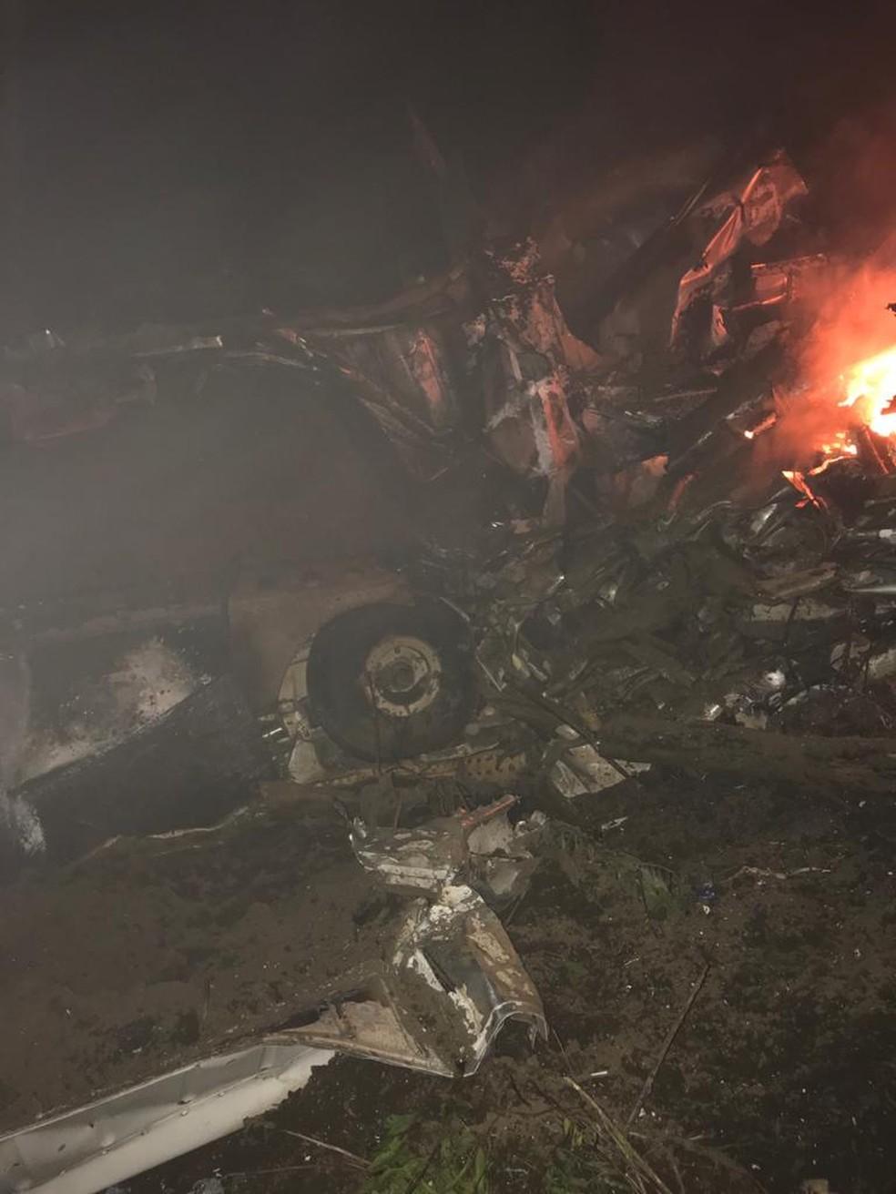 Avião de pequeno porte cai em mata na cidade de São Bendito, no Ceará. — Foto: Arquivo pessoal