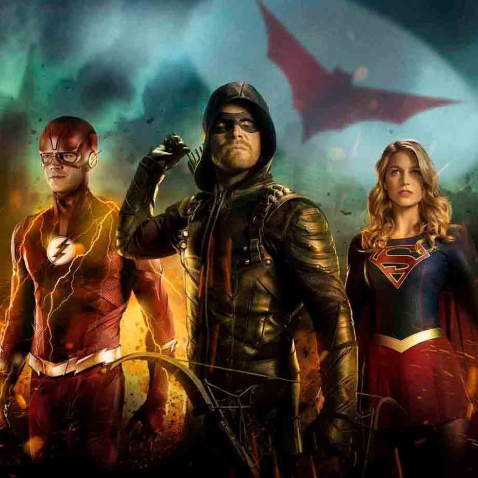 Grant Gustin, Stephen Amell e Melissa Benoist em imagem de 'Elseworlds' — Foto: Divulgação/CW