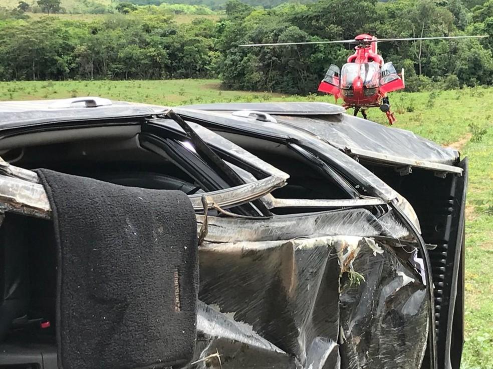 Acidente deixa três feridos na BR-080, no Distrito Federal — Foto: Corpo de Bombeiros do DF/Divulgação