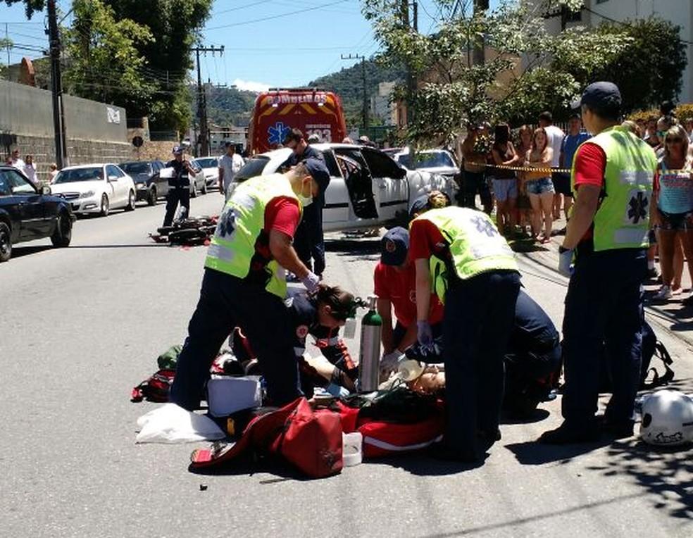 Motociclista morreu em acidente em Blumenau (Foto: Corpo de Bombeiros/Divulgação)