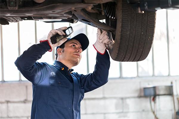 Fazer a revisão do automóvel é indispensável ´para segurança (Foto: Divulgação)