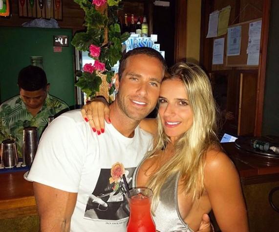 Leonardo Jancu com Caroline Baccaro (Foto: Reprodução Instagram)