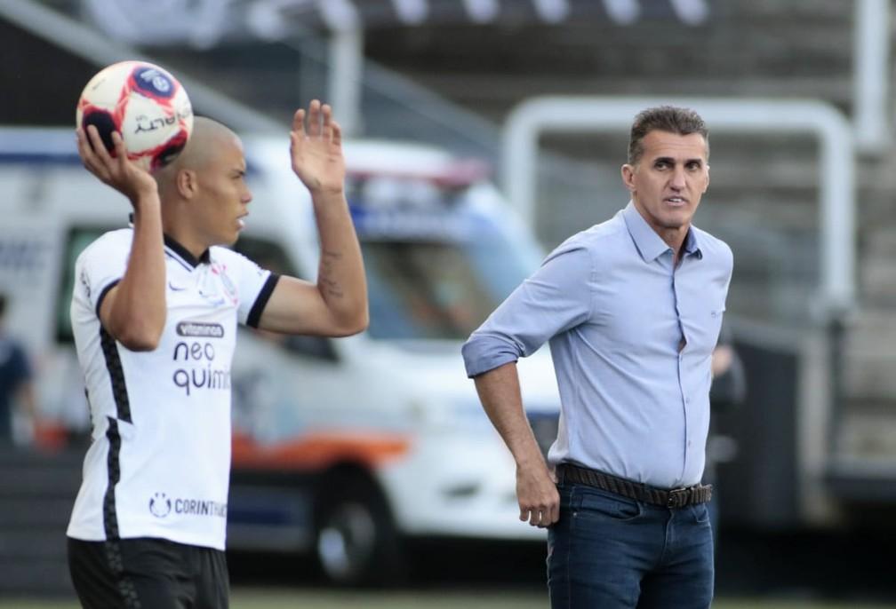 """Mancini avalia fase do Corinthians e diz que jamais cogitou prejudicar rival: """"Vencer dignifica a camisa"""""""