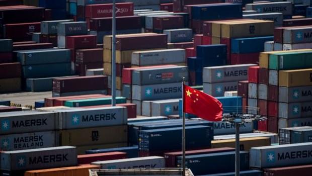 Guerra entre China e EUA deixa Brasil como 'pequeno barco no oceano', sujeito às águas mais revoltas (Foto: Getty Images via BBC News Brasil)
