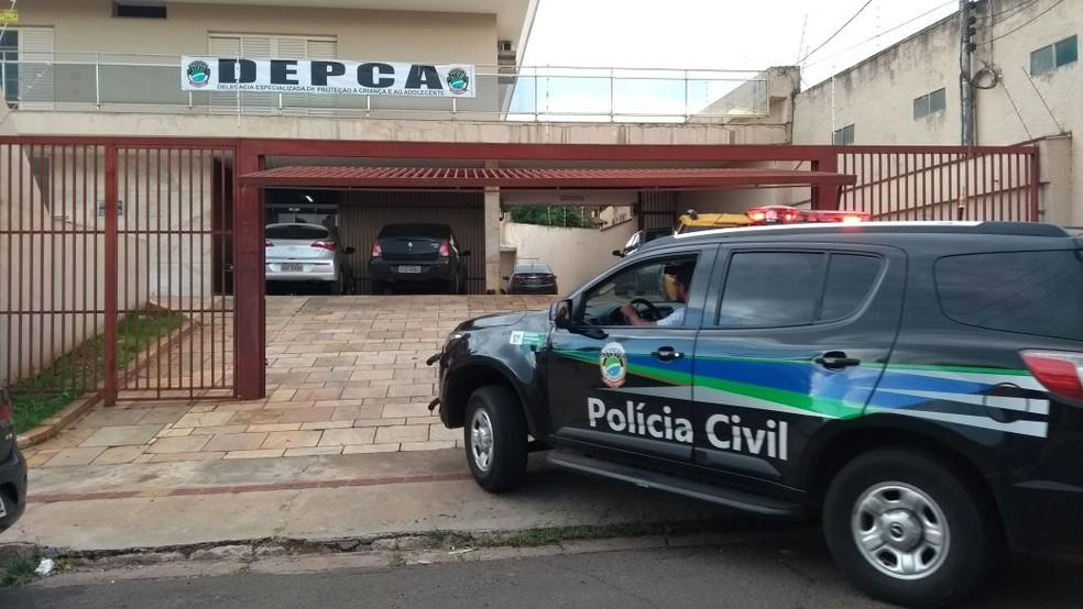 Professor substituto é indiciado e preso por exploração sexual em Campo Grande (Foto: Dyego Queiroz/G1 MS)