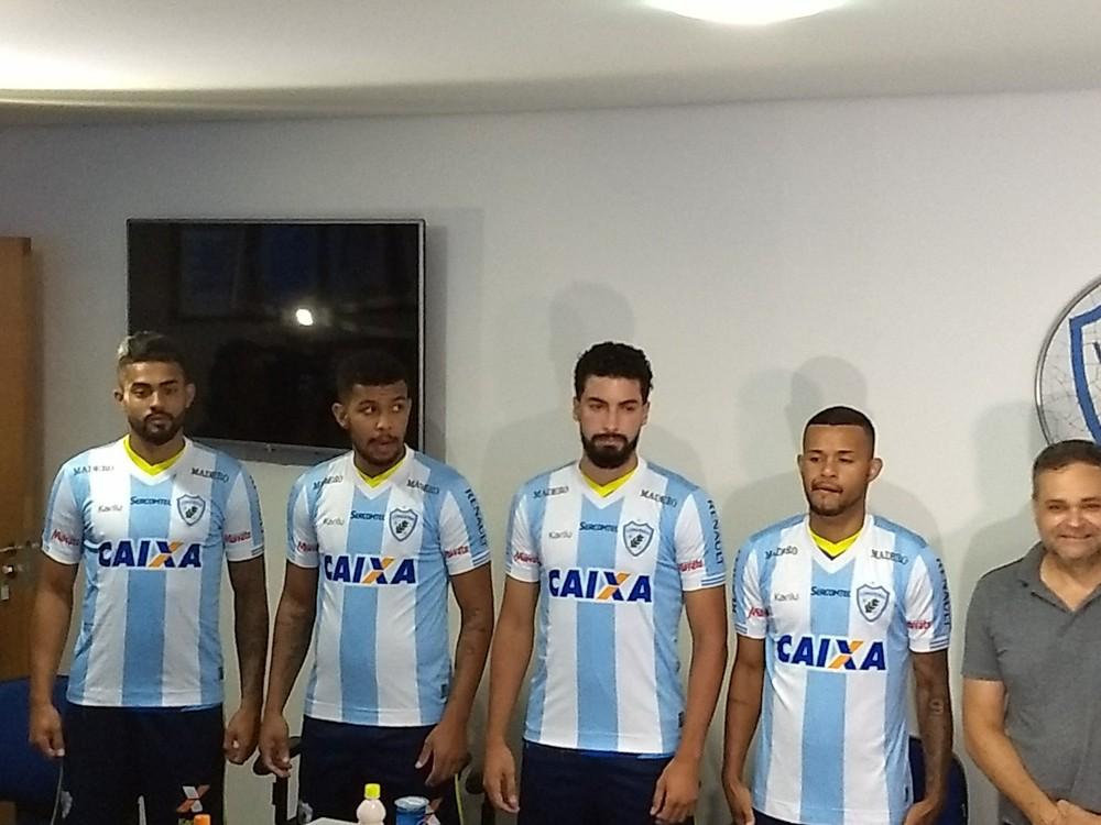 Cedido pelo Cruzeiro, Alex deixa o Londrina; empresário explica situação