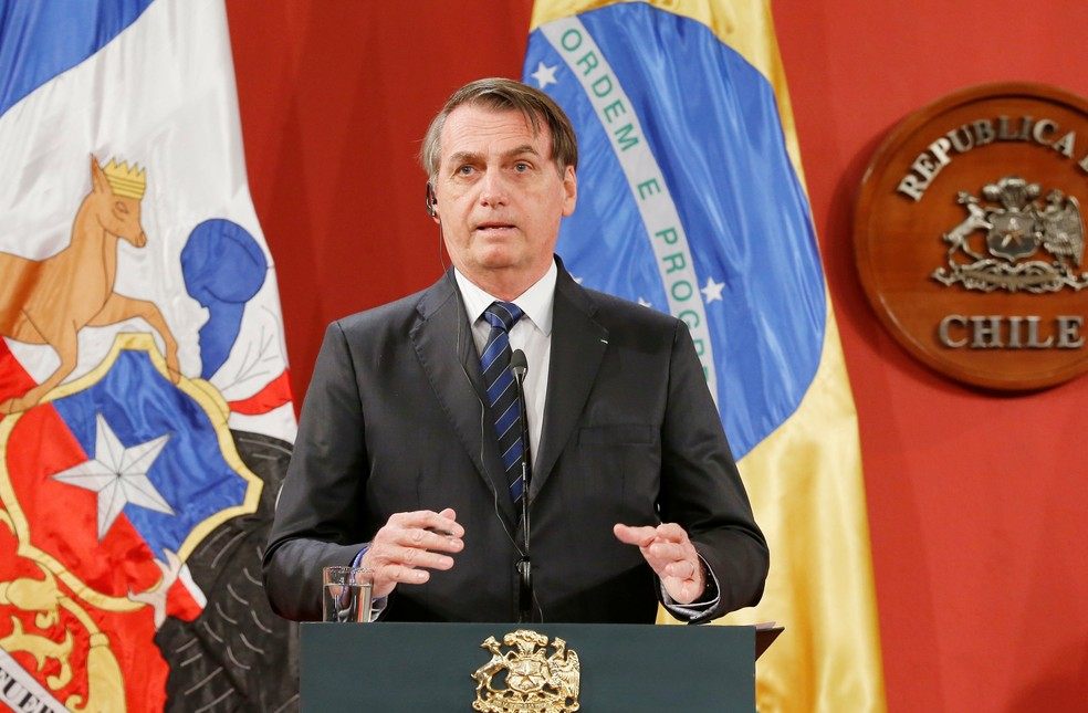 Jair Bolsonaro em pronunciamento no Chile — Foto: Rodrigo Garrido/Reuters