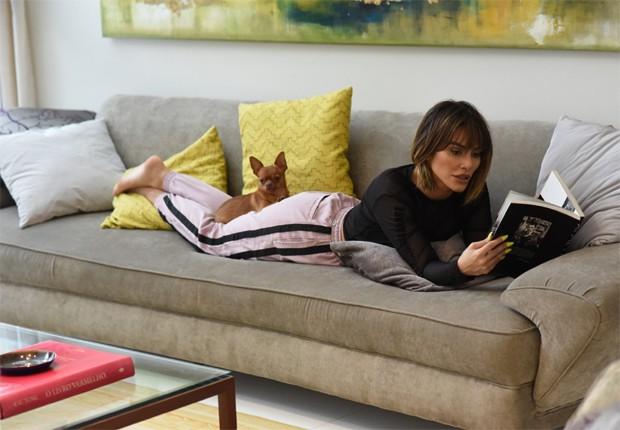 Cleo Pires e Balthazar, seu cãozinho de estimação (Foto: Reprodução/Twitter)