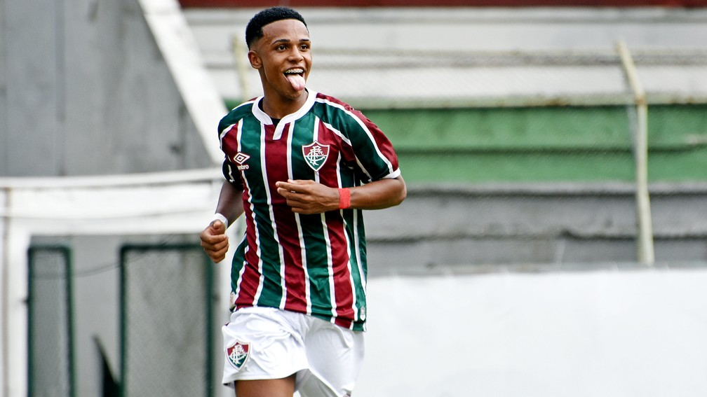 Gratidão ao pai, drible fácil e fase artilheira: Kayky é uma das armas do  Fluminense Sub-17 em decisão | fluminense | ge
