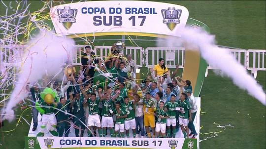 Base do Palmeiras tem ótimo ano, mas falta espaço para transição