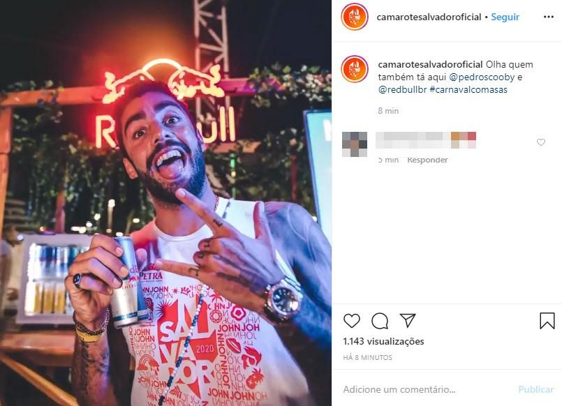 Surfista Pedro Scooby curte camarote no segundo dia de carnaval em Salvador