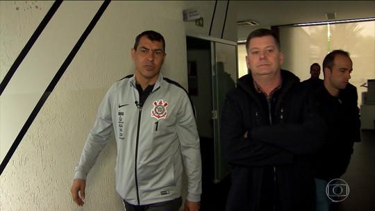 Esporte Espetacular passa o dia com Carille e mostra rotina do técnico do Corinthians