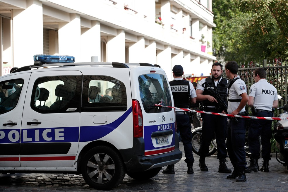 Local da ocorrência é isolado por forças de segurança, nesta quarta-feira (9) (Foto: Benoit Tessier/Reuters)