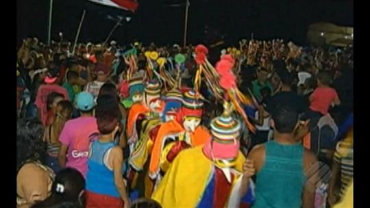 Bois de máscara animam pré-carnaval de São Caetano de Odivelas