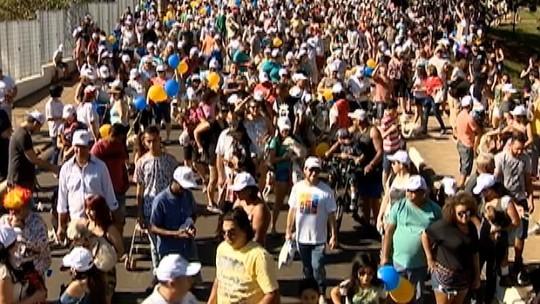 Mais de 8 mil pessoas participam do Mania de Cão com seus pets