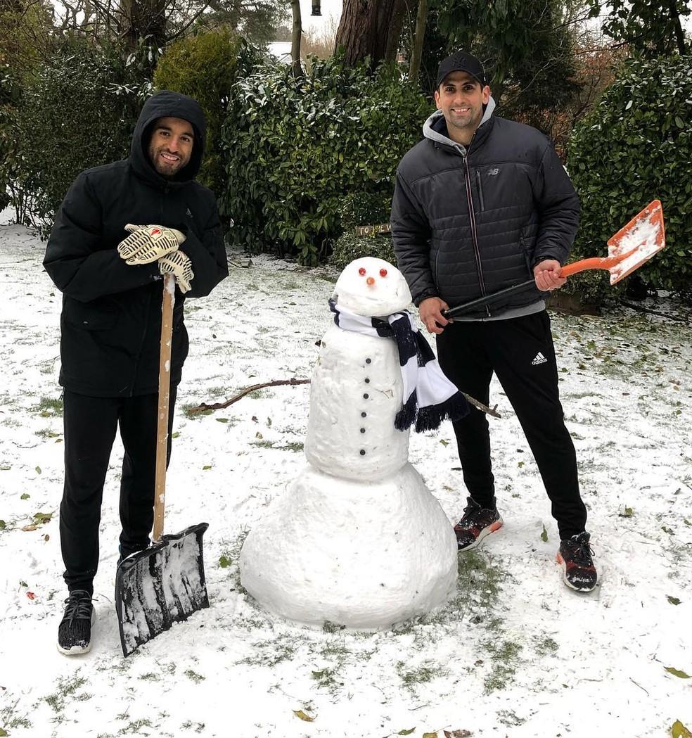 Edad De Lucas Moura: Lucas Moura Posta Foto Se Divertindo Com A Neve Em Londres